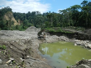 "Another ""artisanal"" mining operation on the Río Jatunyacu."